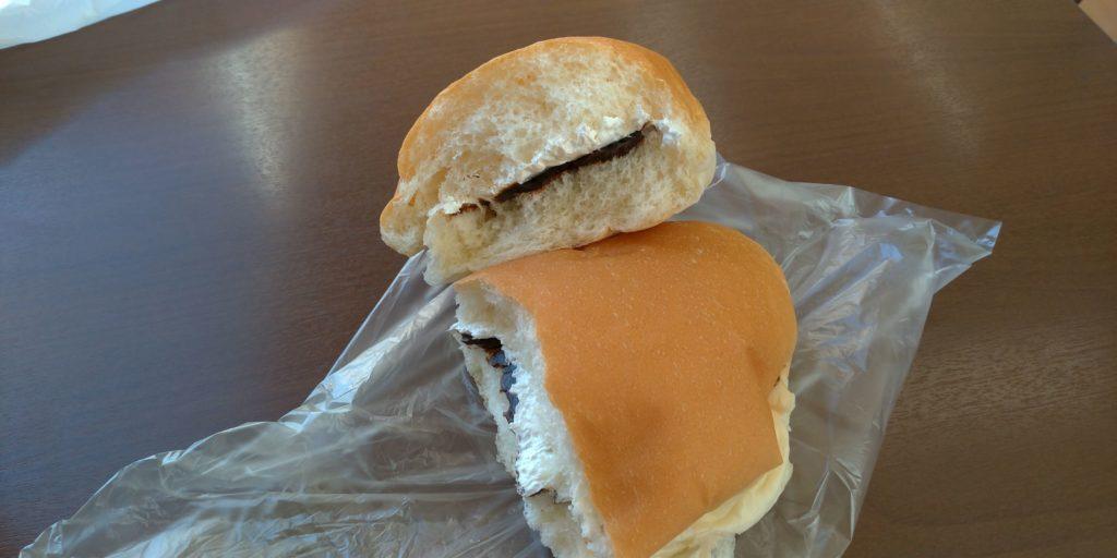 福田パンのコーヒー&ホイップの断面画像