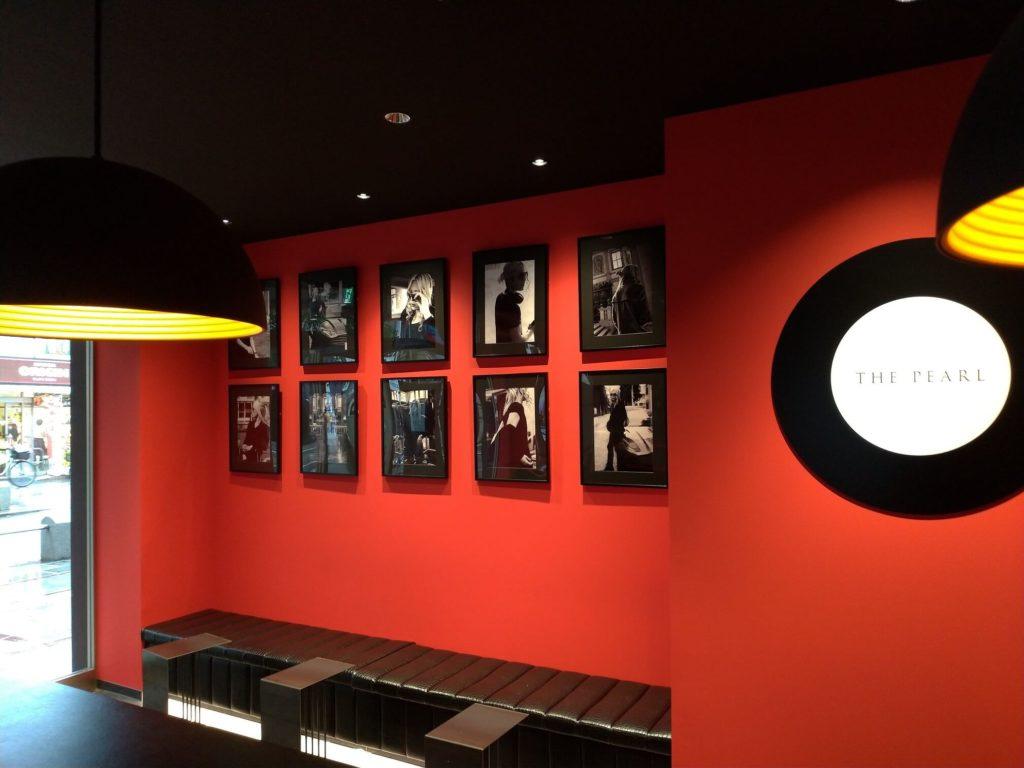 店内の壁03