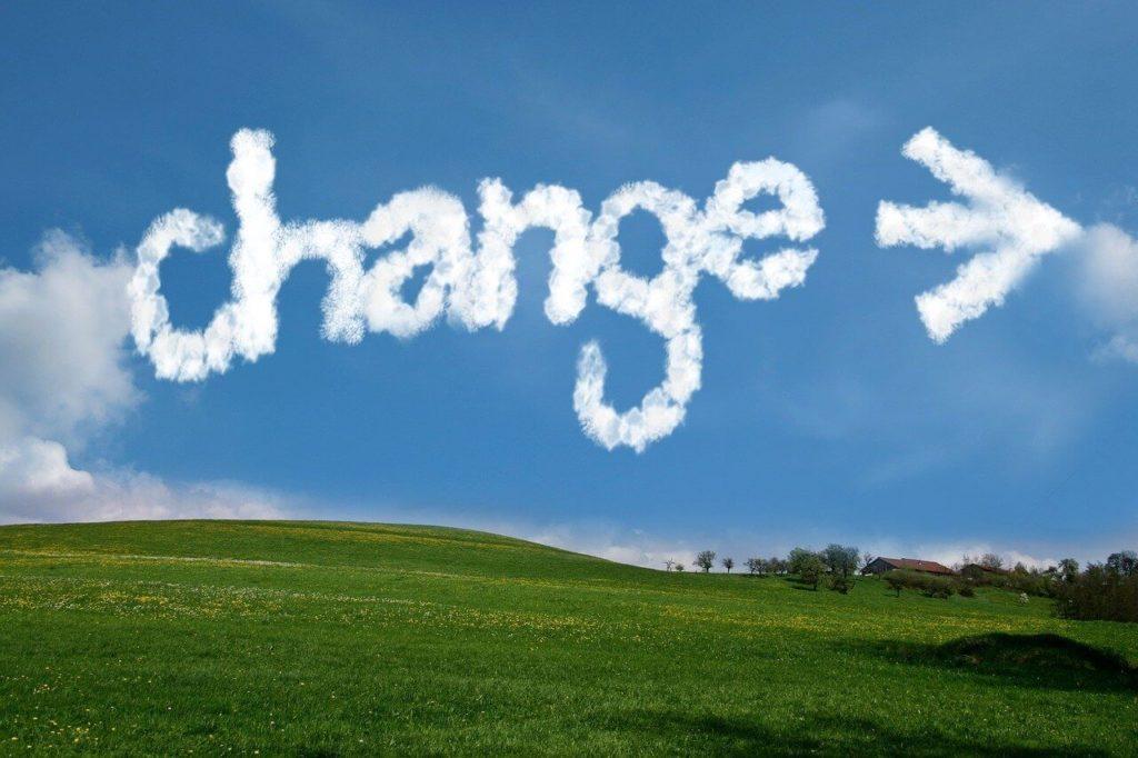 changeと書かれた空の画像