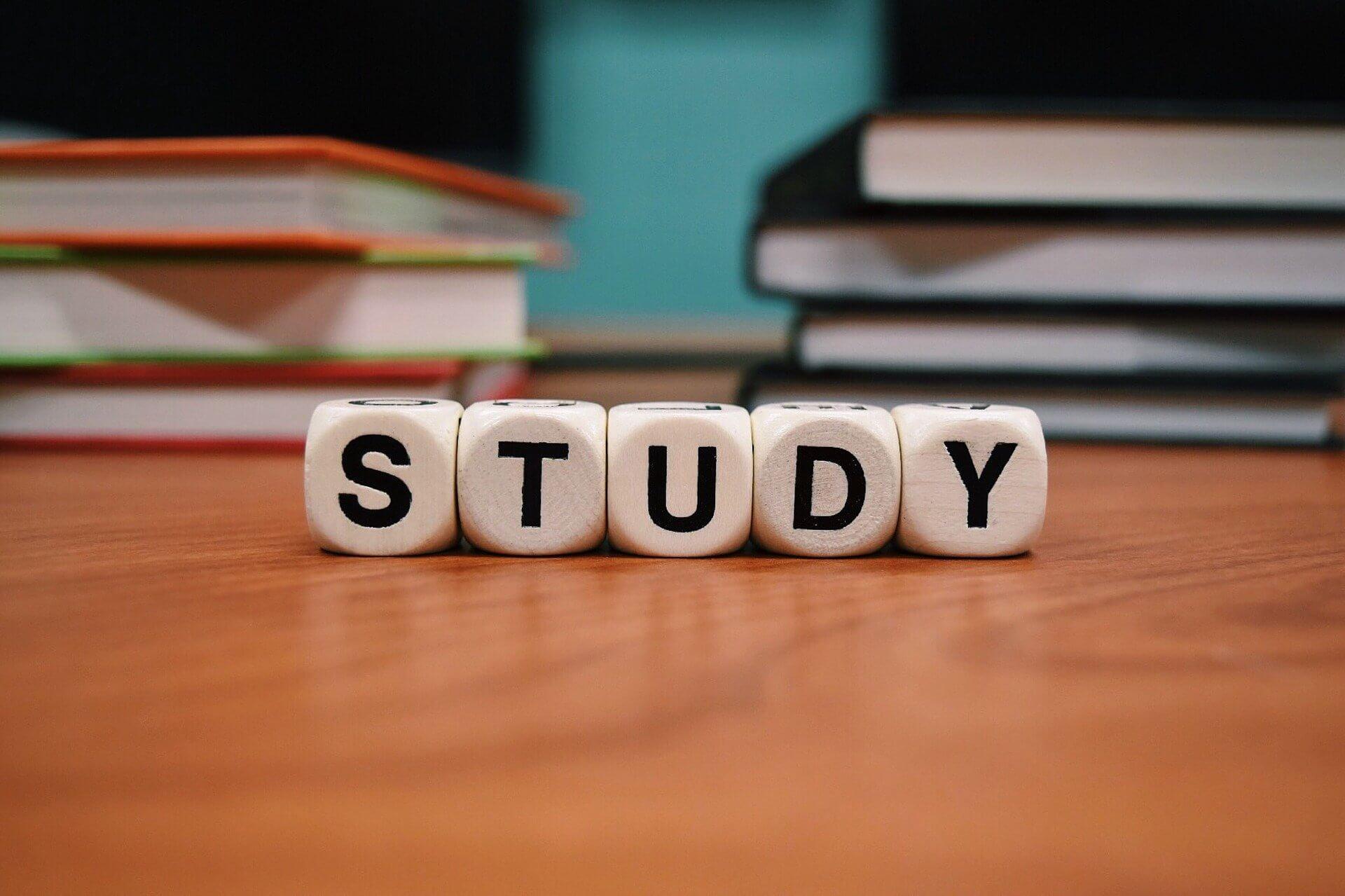 STUDYの文字